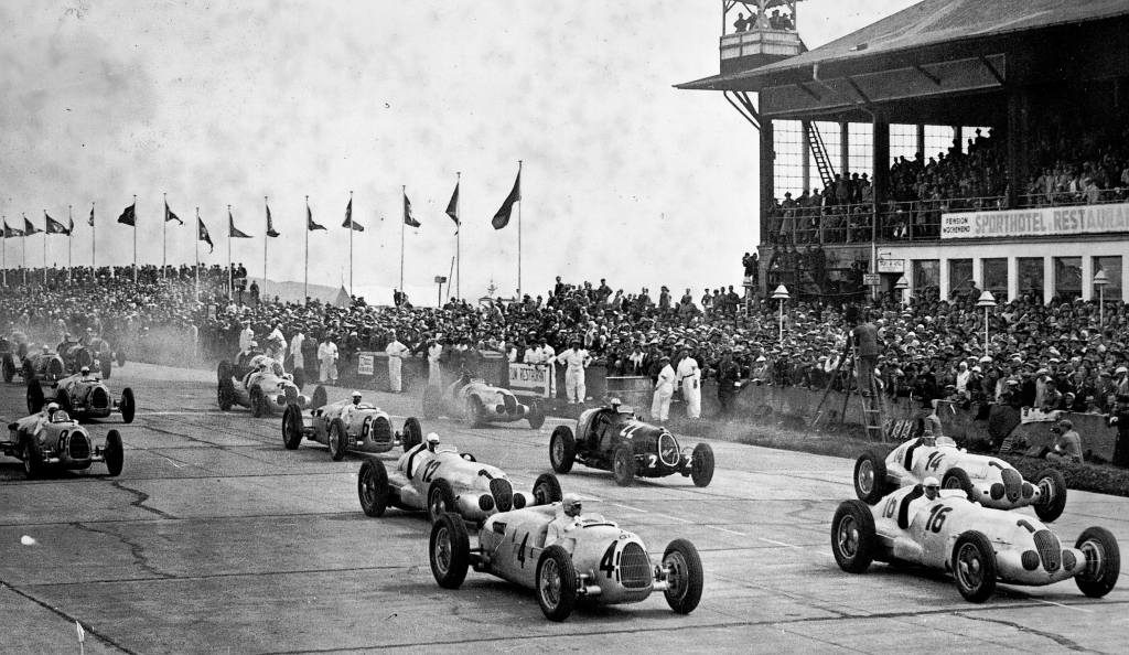 German Grand Prix at the Nürburgring, 25 July 1937, shortly after the start
